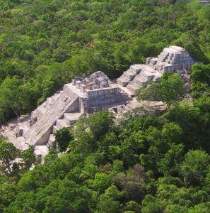 zona arqueologica de calakmul campeche