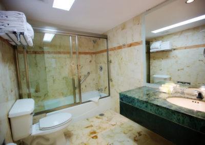 habitación-junior-baños-hotel-capital-plaza-chetumal